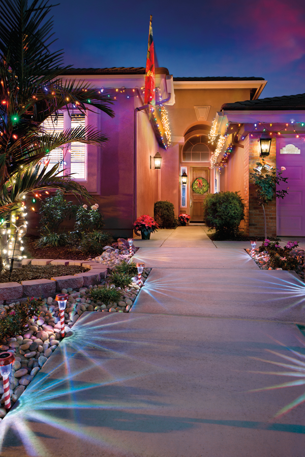 final image of Holiday Home with lights