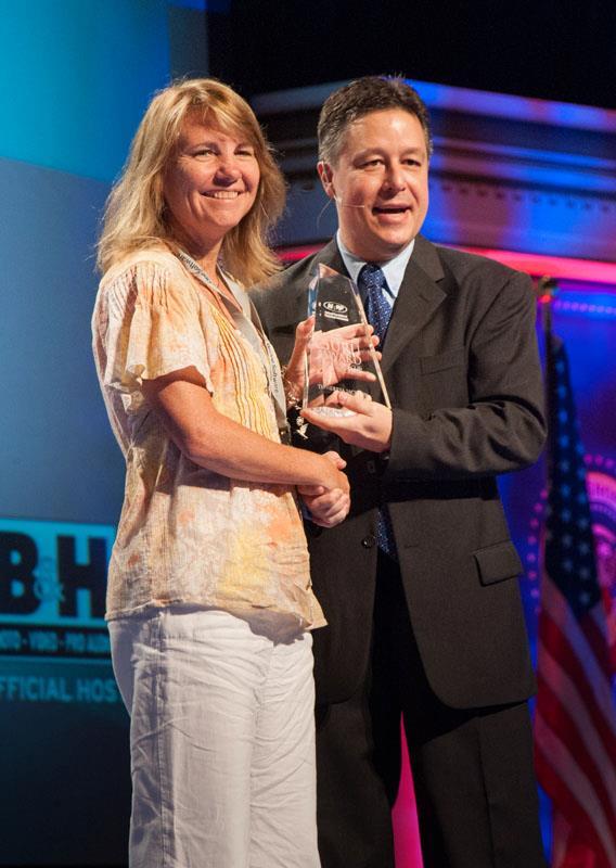 image of guru award with Larry Becker