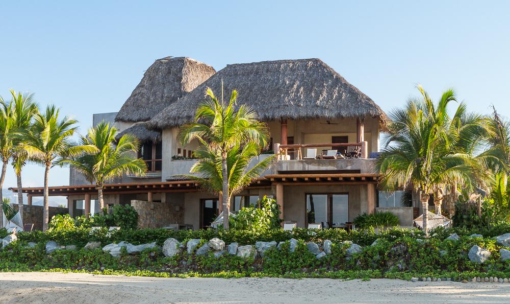 Las Palmas Beach Suites 2