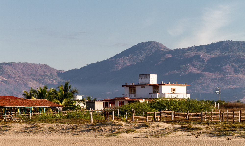 Playa Blanca Ranch Home wide